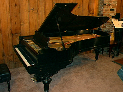 piano teacher for beginners, intermediates, advanced students in Los Angeles California  CALL 818 225 0244 and ask for Raya